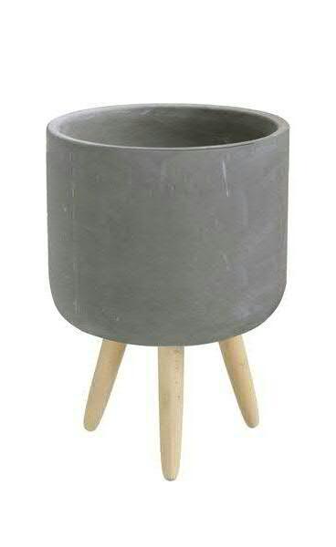 Kübel Zement D14H22cm auf Holzfüßen, grau